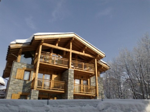 Chalet Crethwaite rear view with balconi